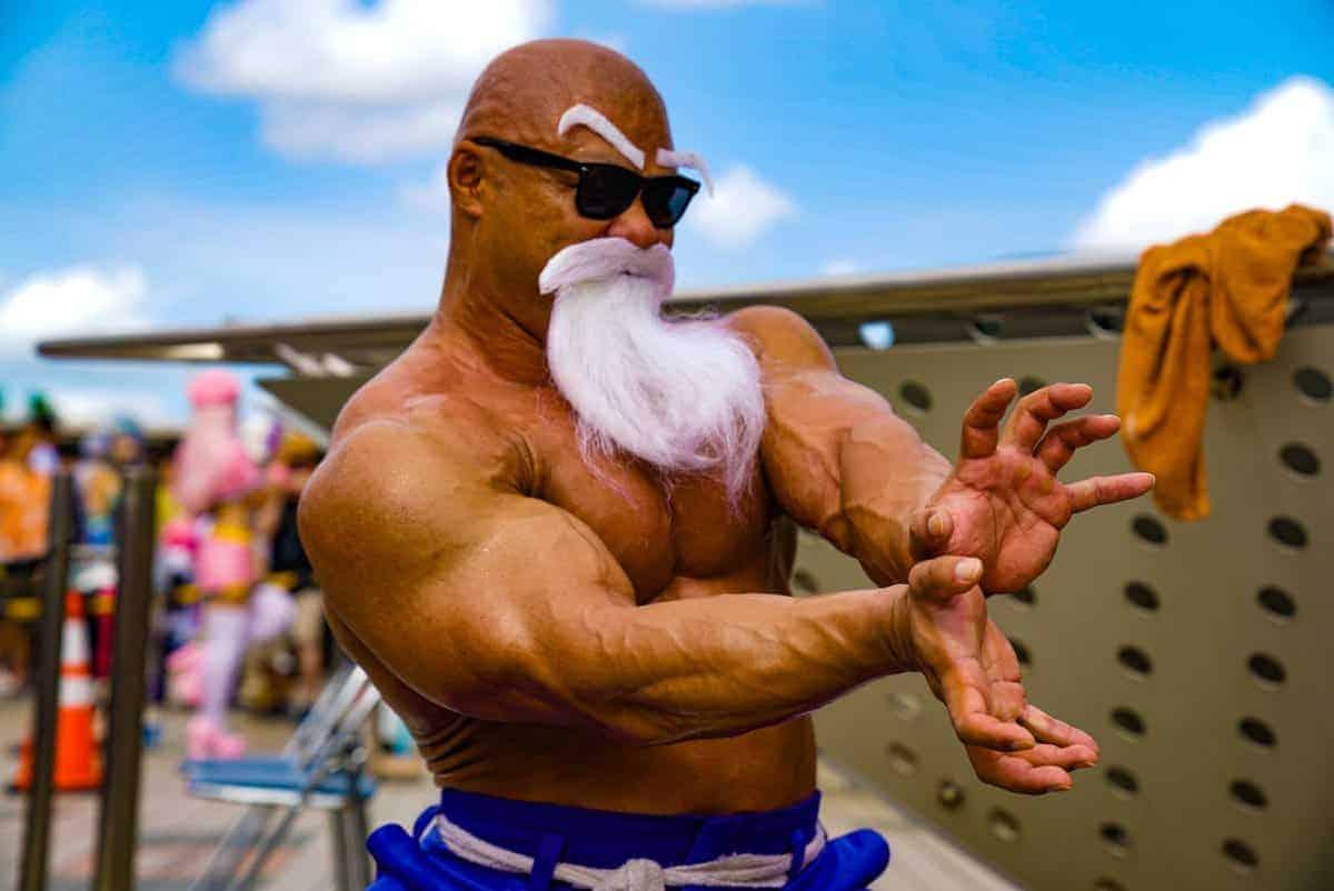 Ce culturiste a recréé Maître Kamé Sennin de Dragon Ball Super dans le meilleur cosplay de tous les temps 4